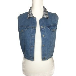 2/$15 Vintage Enchante Collection Crop Denim Vest